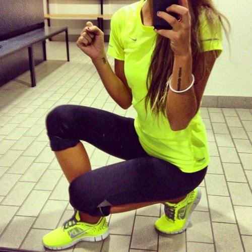 Фото красивых девушек в спортивном стиле на аву